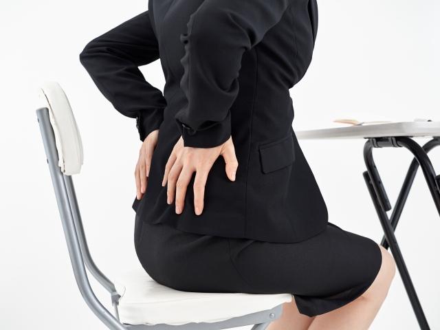 腰痛が辛いと感じる女性