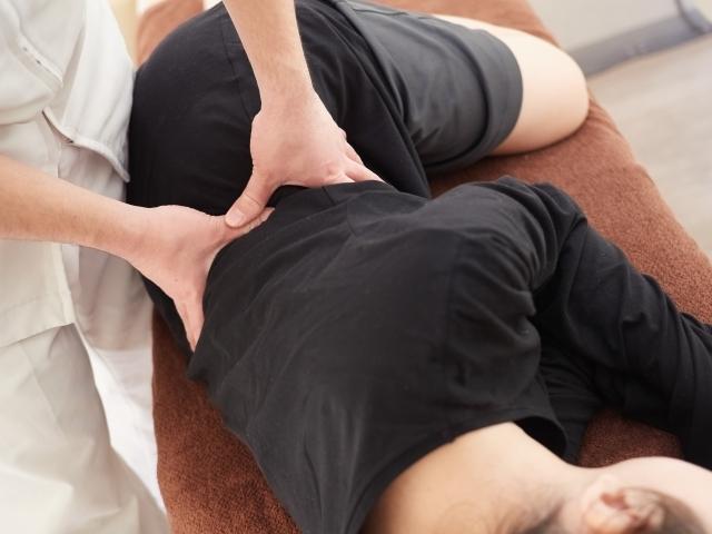 """""""痛みに対して身体全体のバランスを整え症状を改善します"""""""